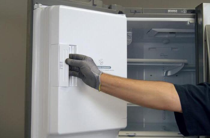Перевес дверей холодильника